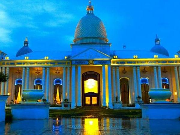 Hotel The Grand Bhagwati Indorerocks